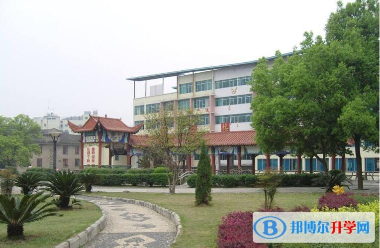 贵州天柱民族中学2018年招生计划