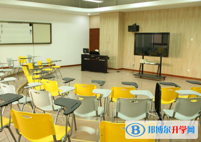 北京澳华学校2021年招生办联系电话