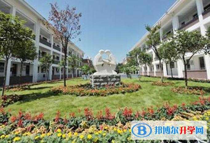 都江堰青城山高级中学国际部2021年学费、收费多少
