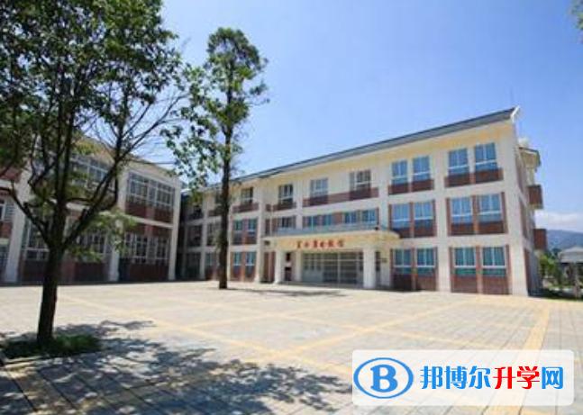 都江堰青城山高级中学国际部怎么样、好不好