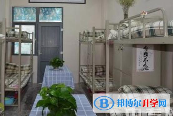 重庆市奉节夔门高级中学校2021年宿舍条件